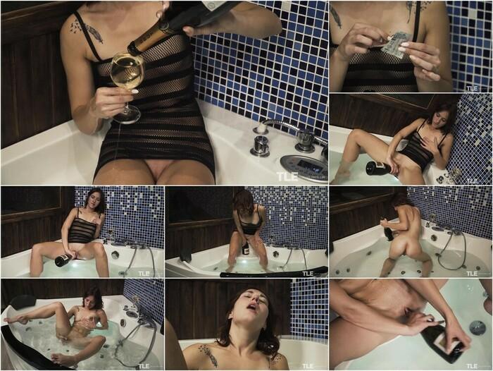 The Life Erotic – Mina K