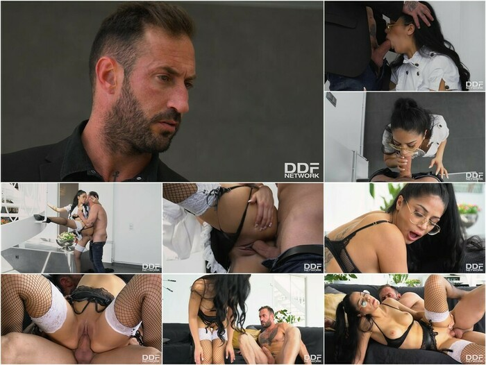 Hands On Hardcore – Julia De Lucia