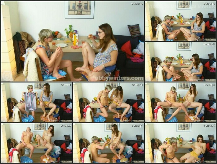 Adelle & Sileny (HD)