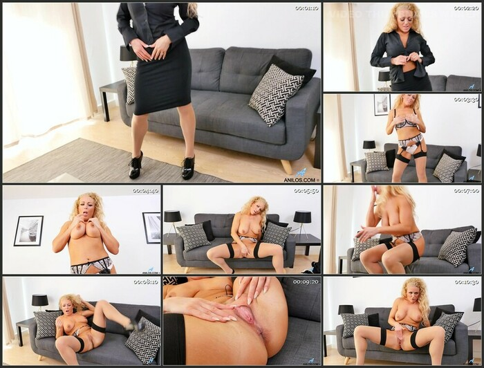 Rebecca Jane Smyth – Looking Good (Full HD)