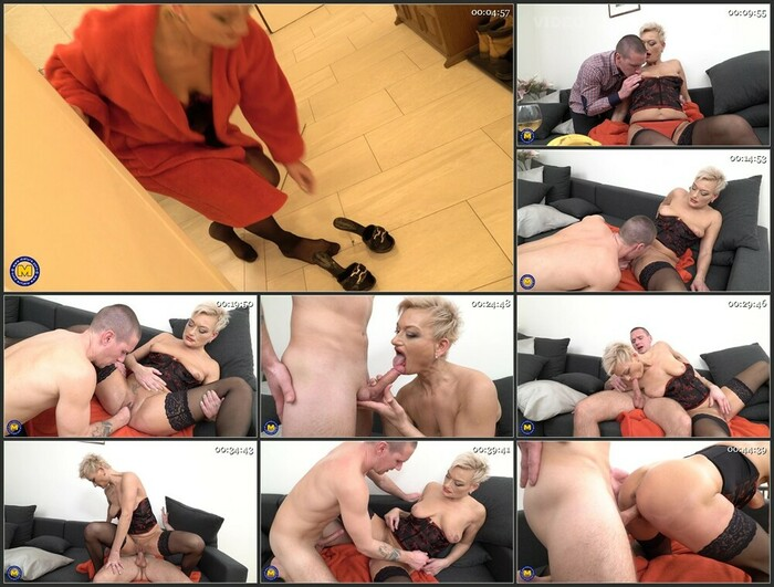 Ricky – Kinky mature lady fucking, sucking and getting fisted by her younger lover (Full HD)