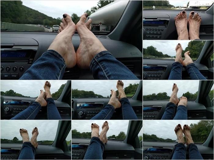 Mo Rina – mature feet on dashboard