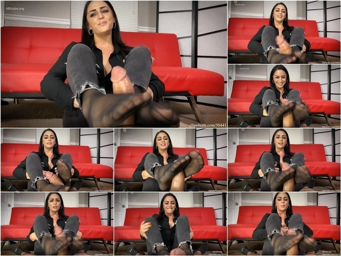 Bratty Babes Own You – Cat Burglar Cleo Series- Footjob To Drain every Dollar From Loser HD