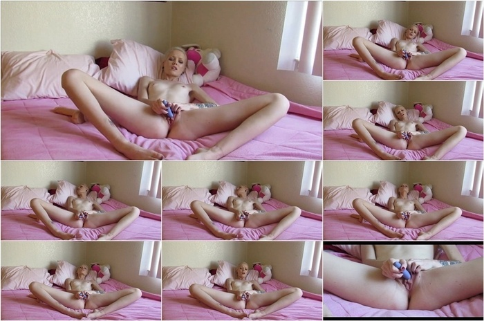 ManyVids presents Ms Luna Baby – SubPrincess – morning edging part 1