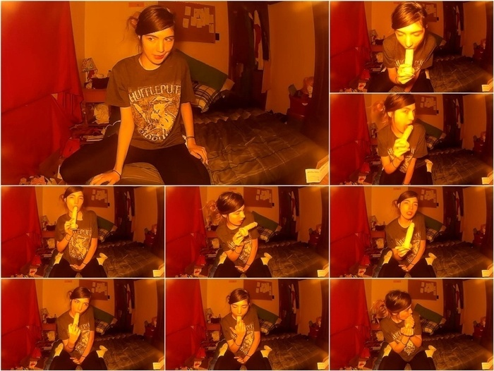 ManyVids presents Annabelle Bestia – hufflepuff blowjob