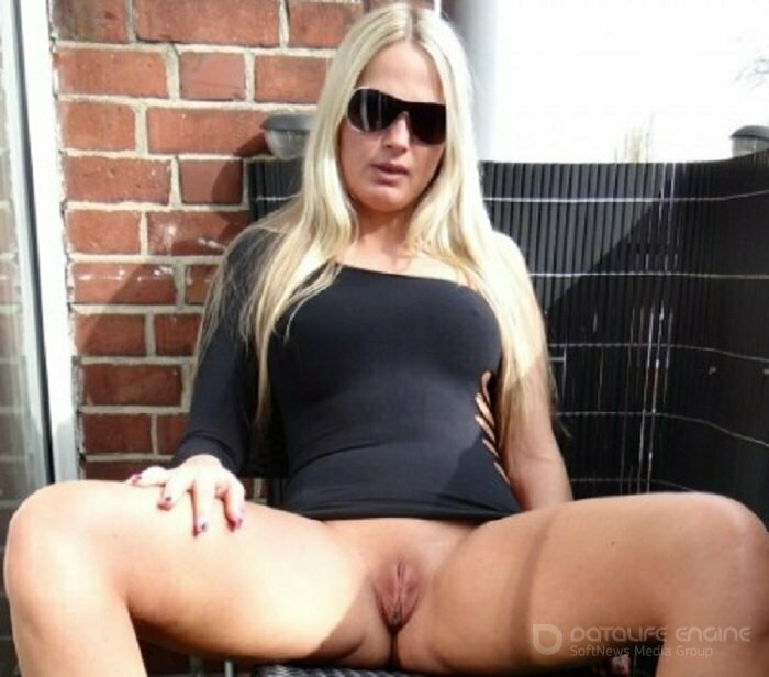 Jackybabe1 German blonde